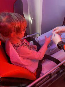 Kind im Krankenwagen