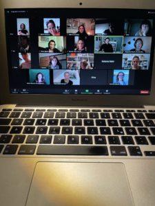 Bild von Teilnehmern eines Online-Treffens