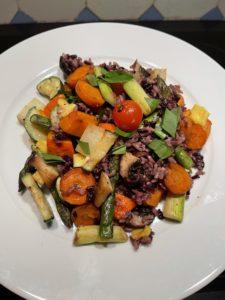 Spargel mit Gemüse und Reis